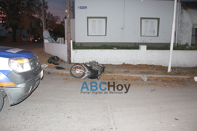 Sigue en estado delicado el motociclista accidentado en Montevideo y Alberdi