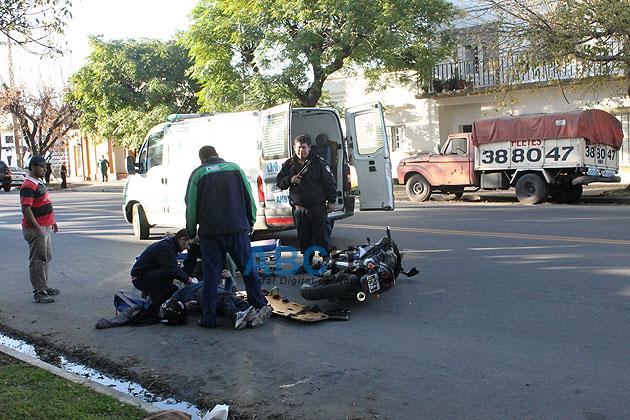 Un peat�n herido al ser atropellado por una moto