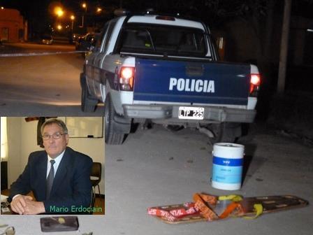 Un polic�a y un ex concejal se mataron a balazos en Napaleof�