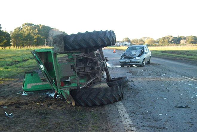 Choque entre un tractor y un auto en la 226: un herido de consideraci�n