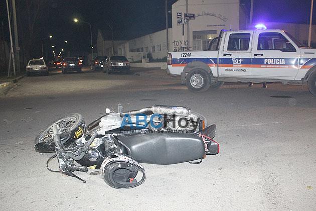 Dos j�venes motociclistas hospitalizados tras un choque