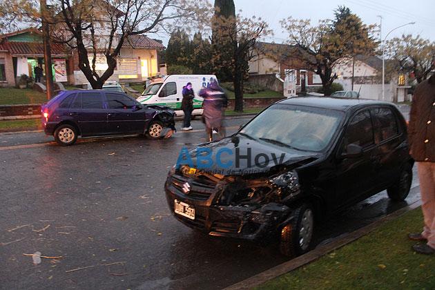 Violento choque en Avellaneda y Roca
