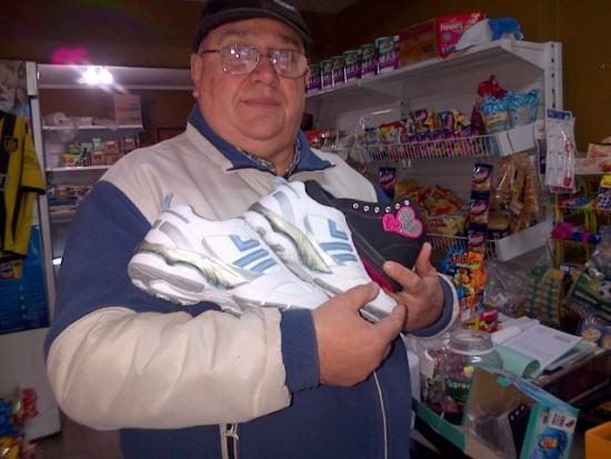 Uncota se las trae: zapatillas deportivas a 250 pesos