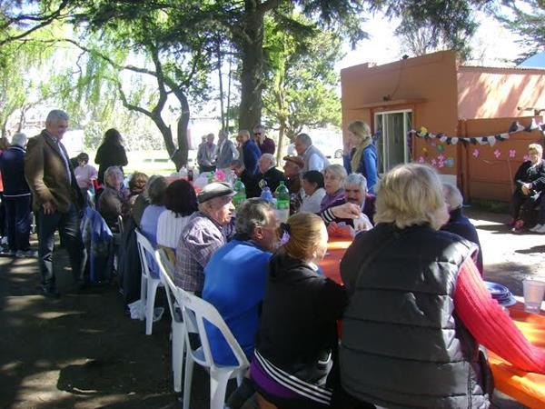El Municipio realiz� festejos por el D�a de la Primavera en diferentes barrios