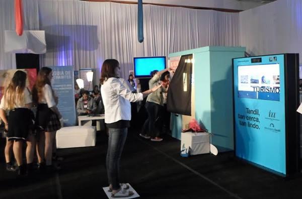 Presentaron en TedxTandil una nueva versi�n de la cartelera virtual �Destino Tandil�