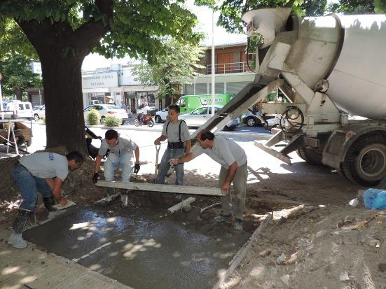 Avanzan con obras de infraestructura vial en diferentes lugares de la ciudad