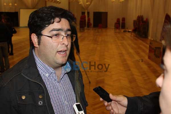 Bossio propone generar un proyecto para reparar los campos de juego
