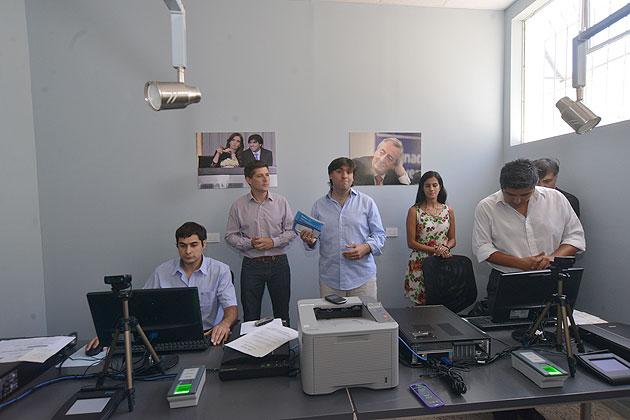 En su primer d�a el Centro de Documentaci�n R�pida tramit� 74 nuevos DNI y otorg� 523 turnos