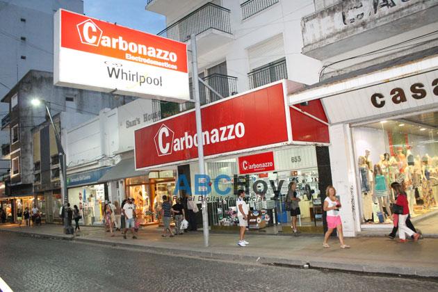 Arrebatadores robaron en Carbonazo