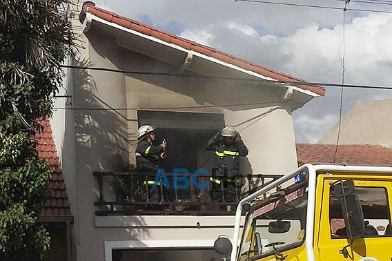 Importante incendio afect� una vivienda