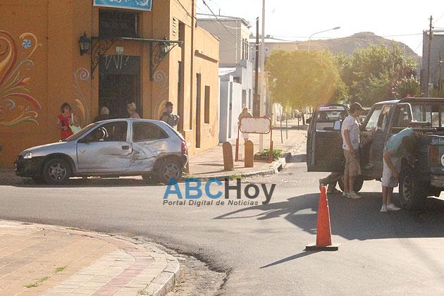 Violento choque en Chacabuco y Las Heras