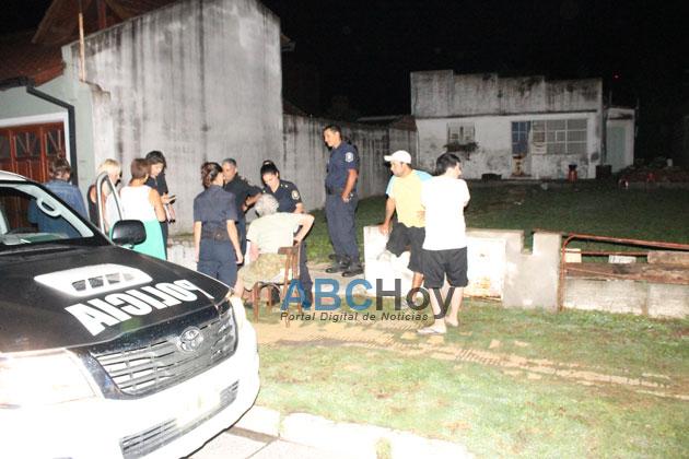 Tres sujetos asaltaron y maniataron a una anciana en su domicilio