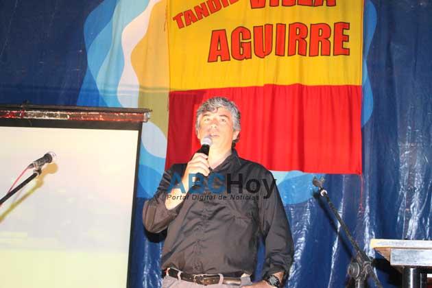El presidente del club Villa Aguirre detuvo a un ladr�n que intentaba robarle el auto