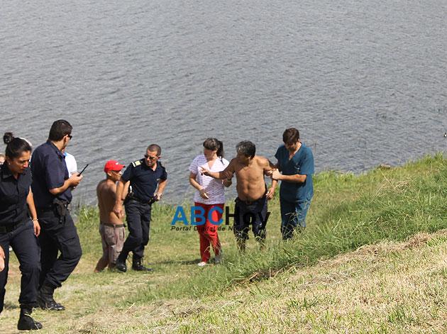 Rescatan ba�ista que se ahogaba en el Dique