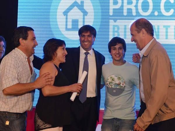 Diego Bossio firm� convenios para la creaci�n de lotes Procrear en Pehuaj� y Trenque Lauquen