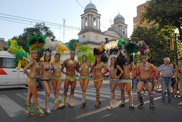 Los carnavales de Gualeguaych� en Tandil