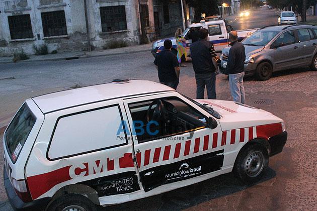Dos agentes municipales heridos en un choque