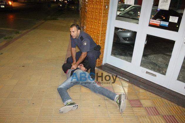Dos delincuentes detenidos tras violento asalto a una vivienda