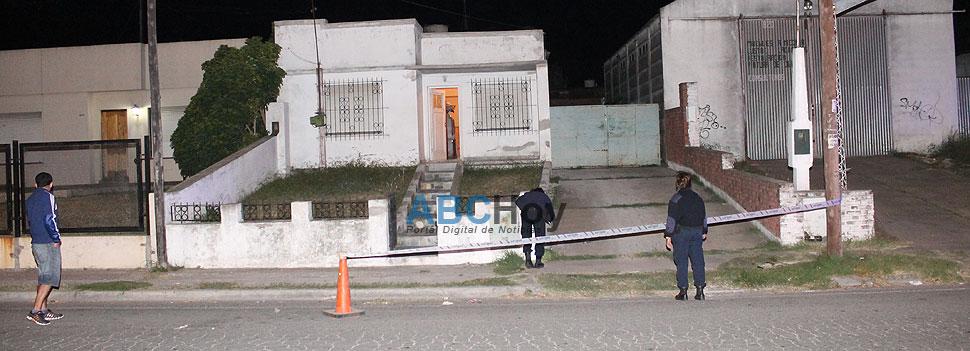 Matan a balazos a un hombre en la puerta de su casa