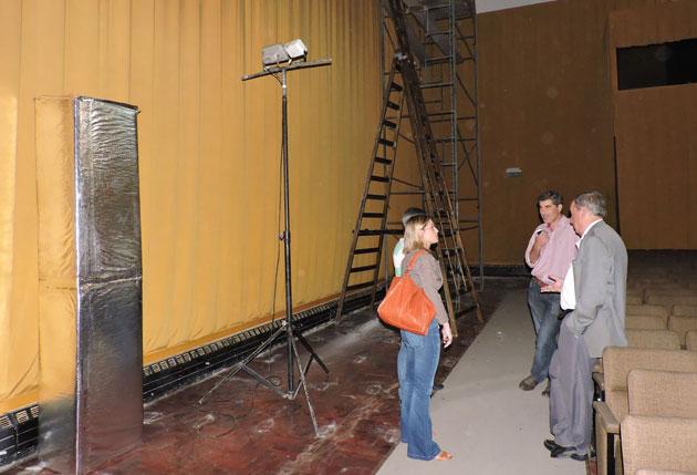 Instalan aire acondicionado en el Teatro del Fuerte