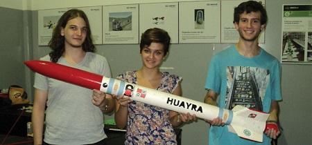 Alumnos del secundario colaboran en el desarrollo de cohetes antigranizo