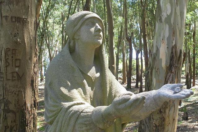 Los escultores del V�a Crucis