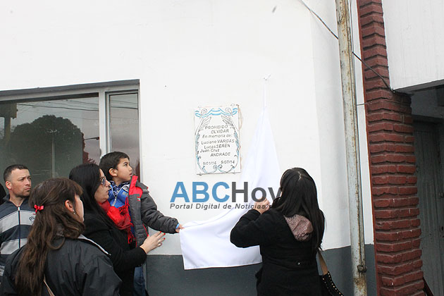 Colocaron un mosaico para recordar a las v�ctimas de la tragedia en Metal�rgica Tandil