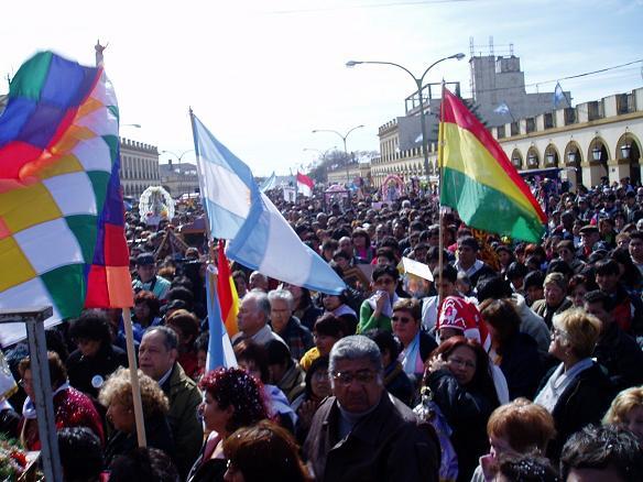 Peregrinaci�n de la colectividad boliviana al santuario de Nuestra Se�ora de Luj�n