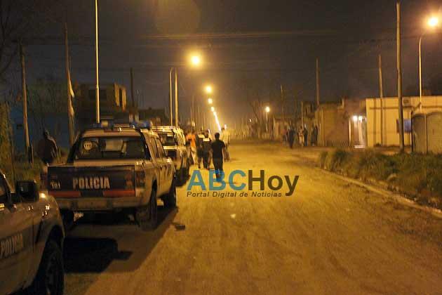 Otra batalla campal entre un grupo de personas y la polic�a luego de un robo