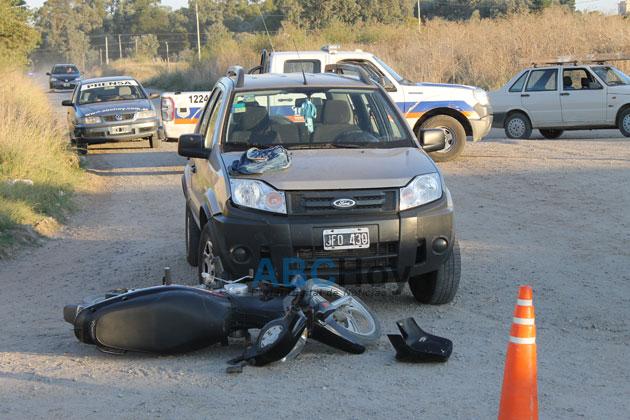 Motociclista herida en choque con una camioneta