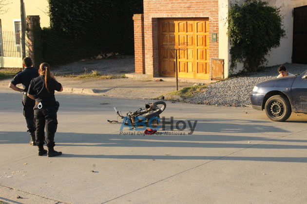 Menor herido al ser atropellado por una moto