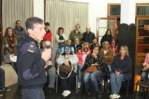 Compromiso policial para recorrer escuelas y prevenir hechos de violencia